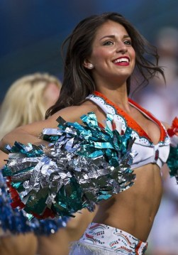 cheerleaders-654359_960_720