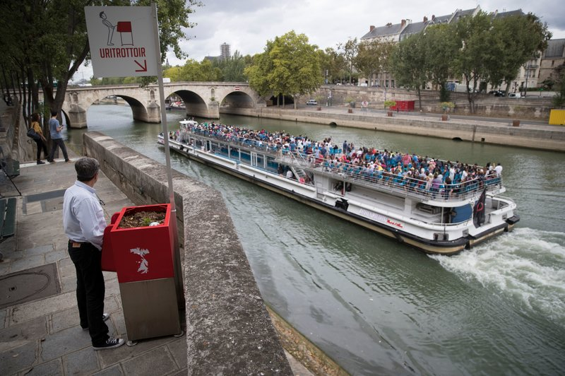 paris urinals